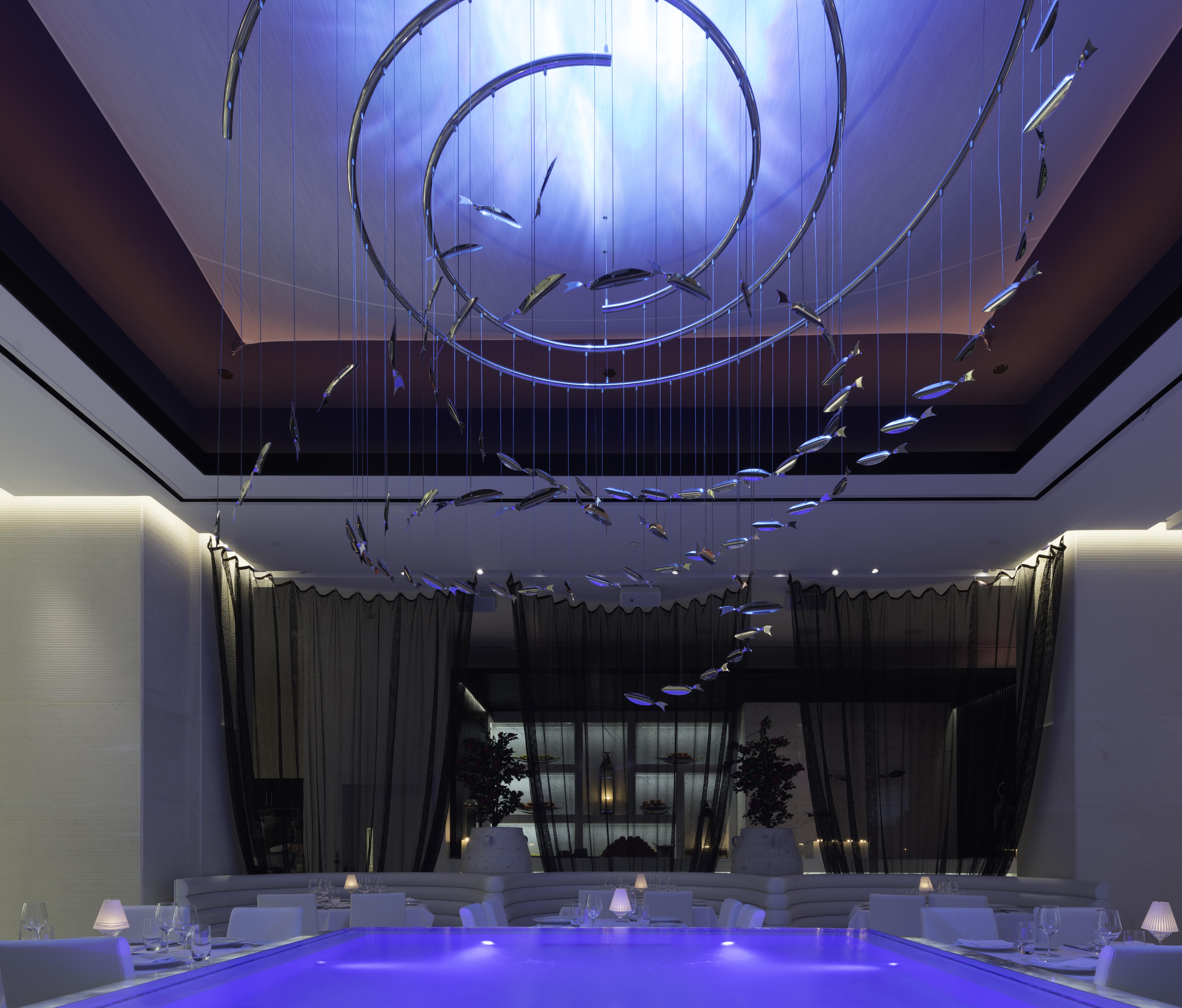 Negative edge reflecting pool at Limani Restaurant, Rockefeller Center, New York City.